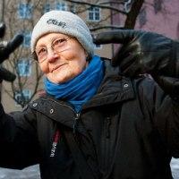 80 year Old Rapper Granny ► Rap-Mummo Eila