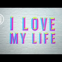Robbie Williams ►Love My Life ► Lyric VIDEO Premiere
