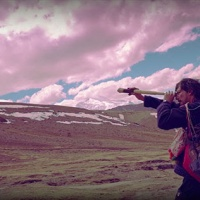 León Larregui ► Birdie ► VIDEO Premiere